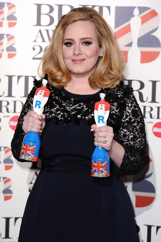 V roce 2012 získala další dvě ceny BRIT Awards za druhé album s názvem 21.