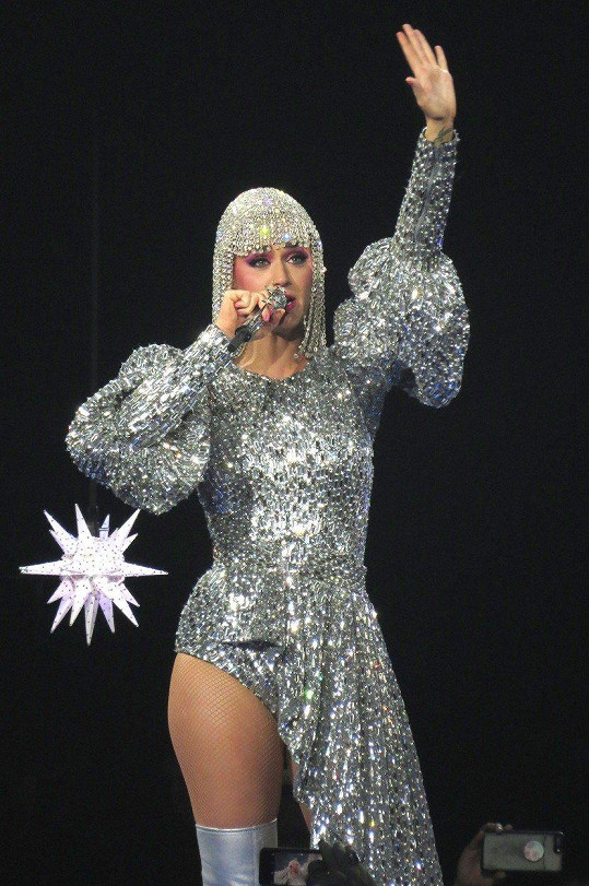 Katy Perry to na koncertech umí roztočit.