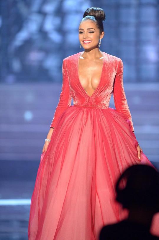 Olivia Culpo tehdy na soutěži krásy v Las Vegas vsadila na odvážný výstřih.