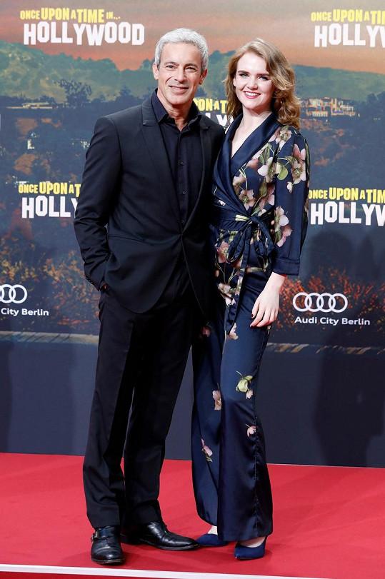 Gedeon Burkhard s přítelkyní Mary Ellen