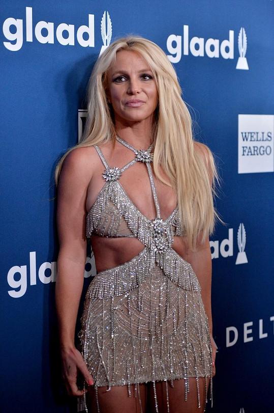 Britney Spears slaví velký úspěch.