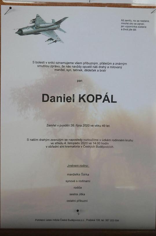 Rodina a přátelé se rozloučili s moderátorem Danielem Kopálem.