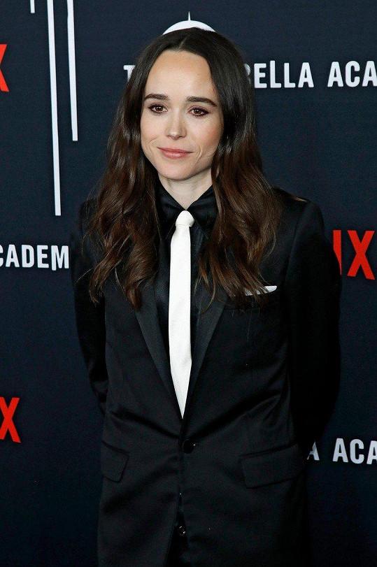 Ellen Page patří mezi drobné herečky, měří pouhých 155 cm.
