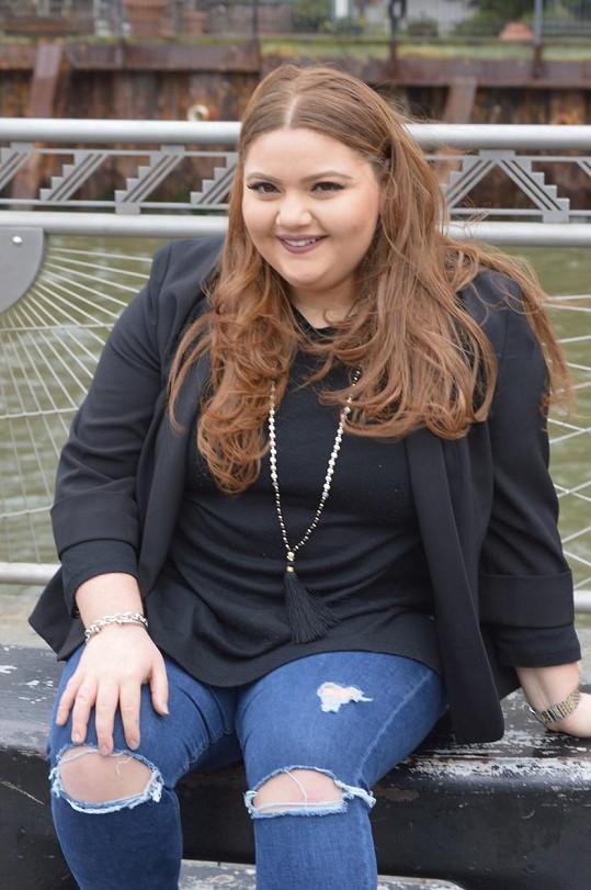 """Herečka Gianna Sciortino dřív vážila 109 kilo. """"Ucházela jsem se o mnoho rolí, ale vždycky jsem měla pocit, že mě soudí ne podle toho, jak hraji, ale podle toho, kolik vážím,"""" svěřila, co bylo jedním z důvodů její proměny."""