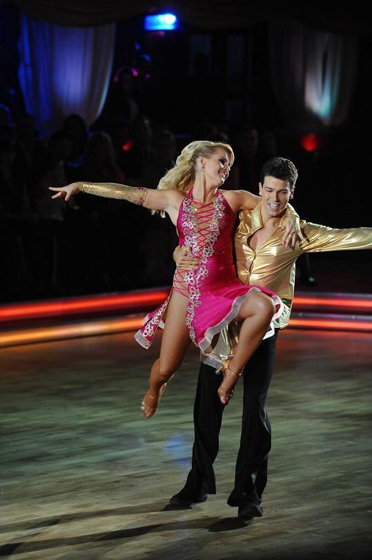 Matej Chren tančil s Ivetou Bartošovou v taneční show Let`s Dance.