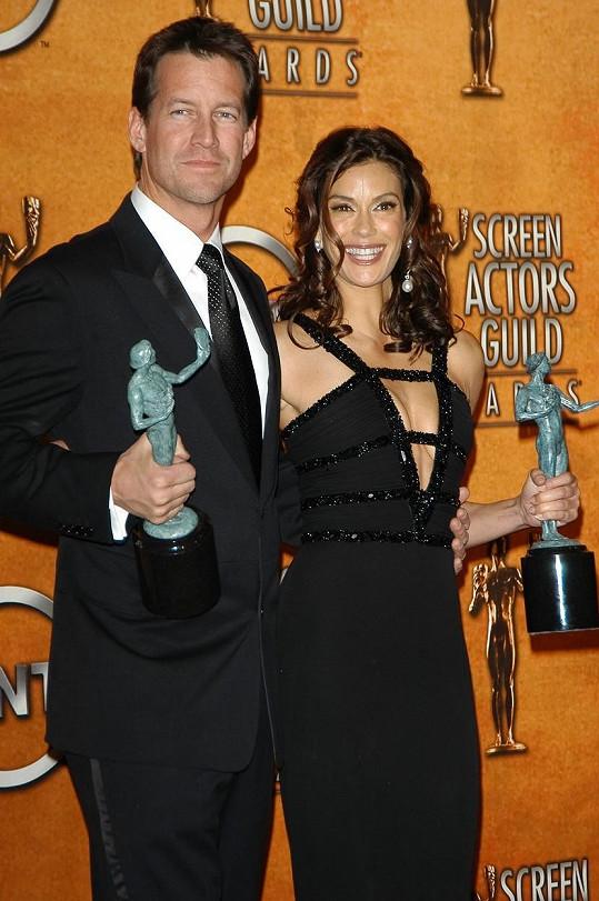 Za role Mikea a Susan si s Teri Hatcher vysloužili ocenění.
