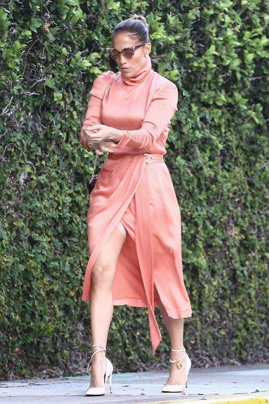 Jennifer Lopez ukázala stahovací spodní prádlo.
