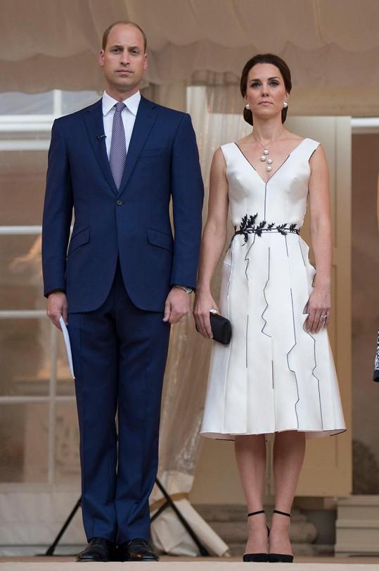 Tyto šaty Kate oblékla v Polsku.