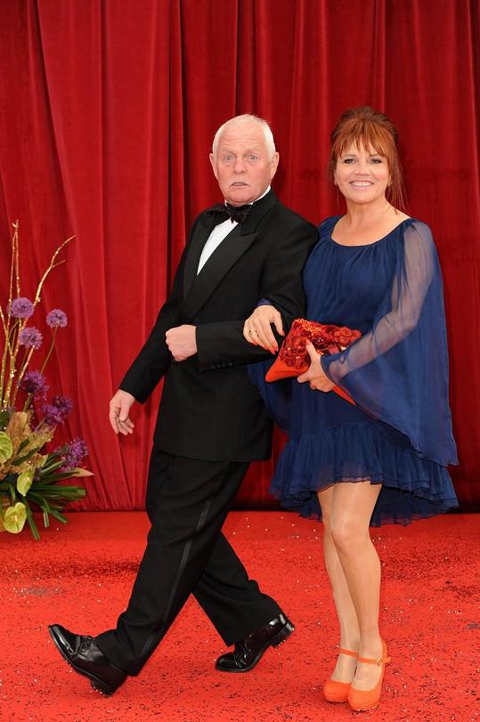 Christopher Chittell a Lesley Dunlop se poznali díky seriálu Emmerdale Farm.