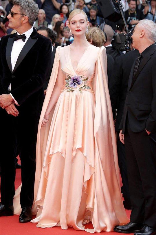 Elle Fanning letos usedne do poroty na Filmovém festivalu v Cannes.