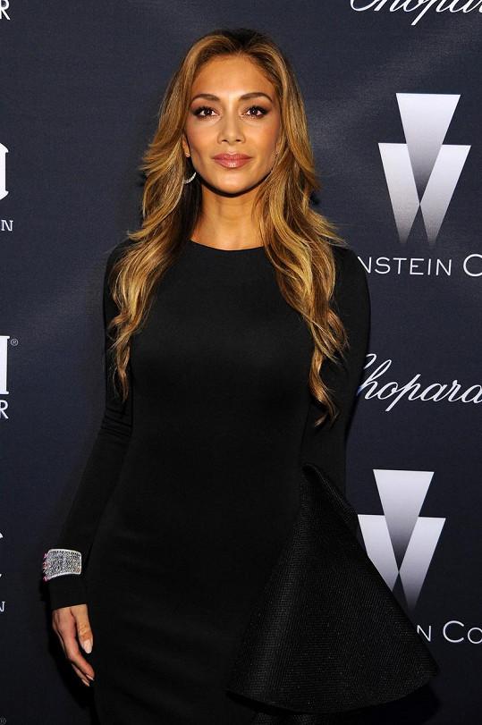 Plavovlasá Scherzinger na galavečeři v Los Angeles