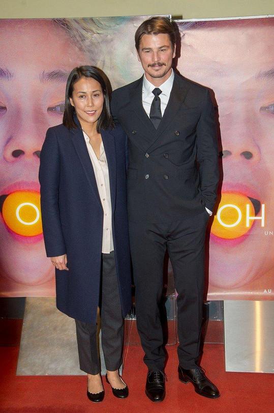 Herec v Paříži uvedl film Ach, Lucy! s režisérkou Atsuko Hirayanagi.
