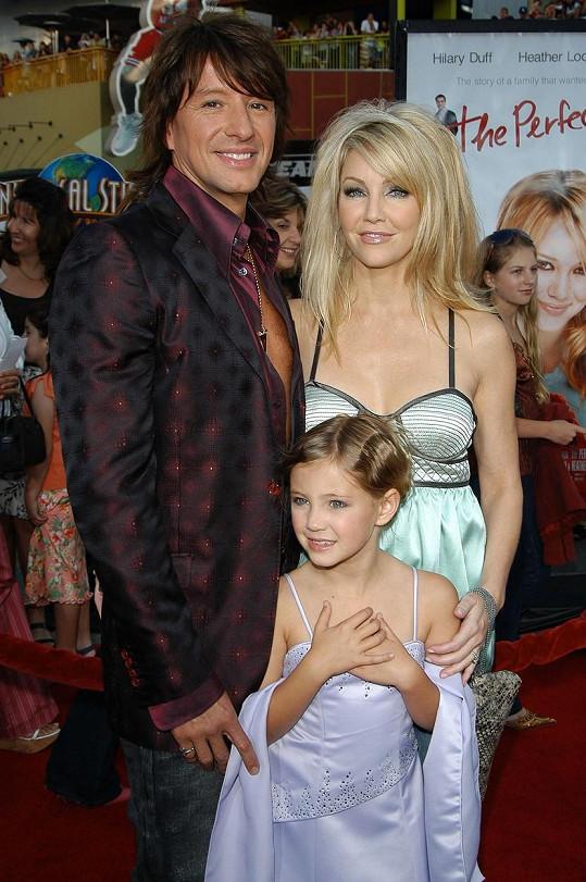 Richie Sambora s bývalou manželkou Heather Locklear a jejich dcerou Avou v roce 2005. Manželé byli 13 let.