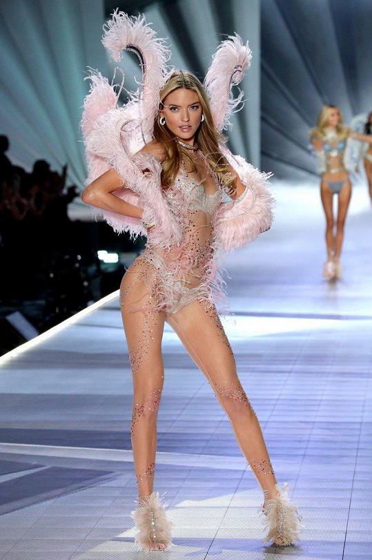 Americká modelka Martha Hunt je stálicí mezi modelkami.
