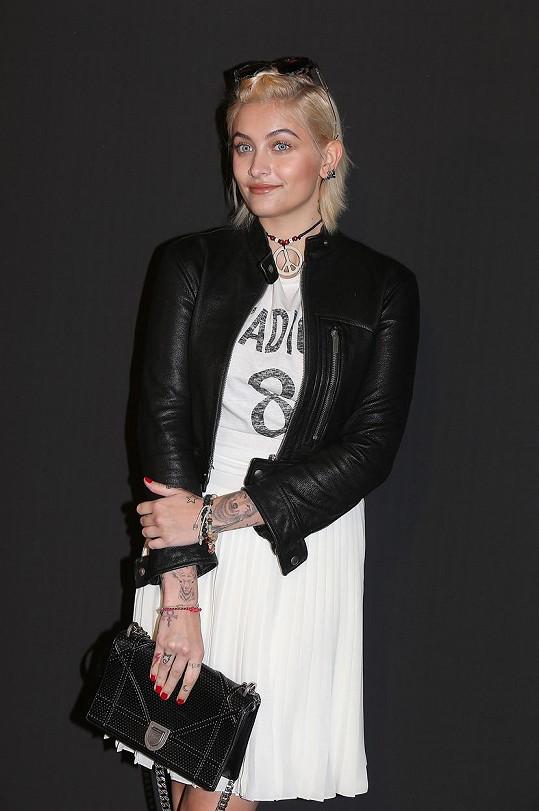 Paris Jackson se začíná zajímat o módu. Před pár dny dokonce nafotila svou první kampaň, a to rovnou pro Chanel.