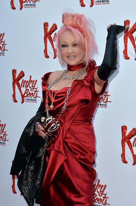 Cyndi Lauper udělala muzikálu Kinky Shoes skvělou reklamu.