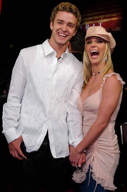 Justin v roce 2002 se svou tehdejší přítelkyní Britney Spears