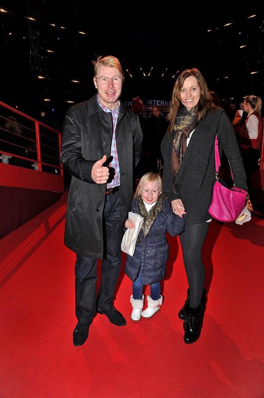 Mika s přítelkyní Markétou a dcerou Ellou na návštěvě cirkusu v Monaku