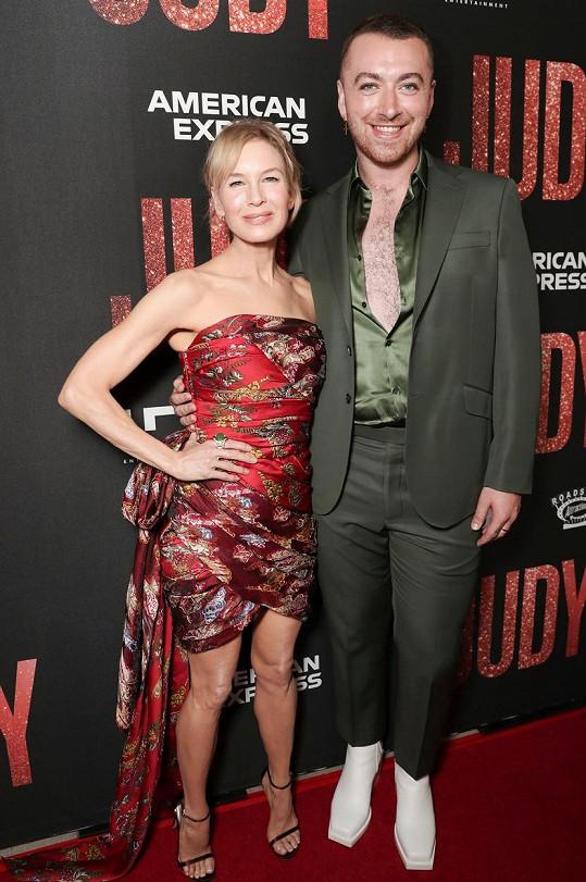 Renée se zpěvákem Samem Smithem, se kterým nazpívali k filmu duet.