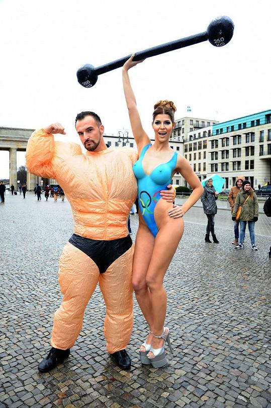 Německá modelka se rozhodně nestydí.