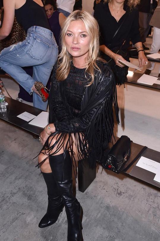 Kate Moss je o 24 let starší než Lottie.