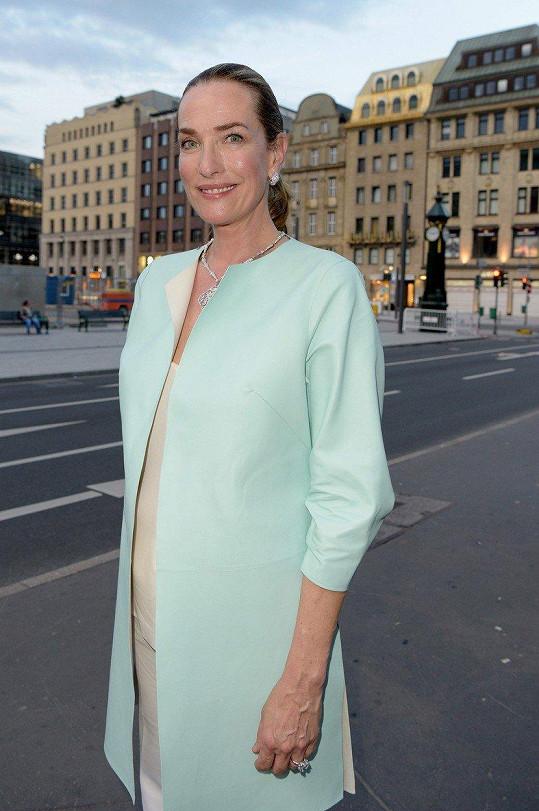 Tatjana Patitz na módní přehlídce v Berlíně (2016)