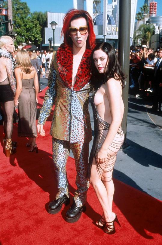 S bývalým snoubencem Marilynem Mansonem, který čelí nařčení z týrání.