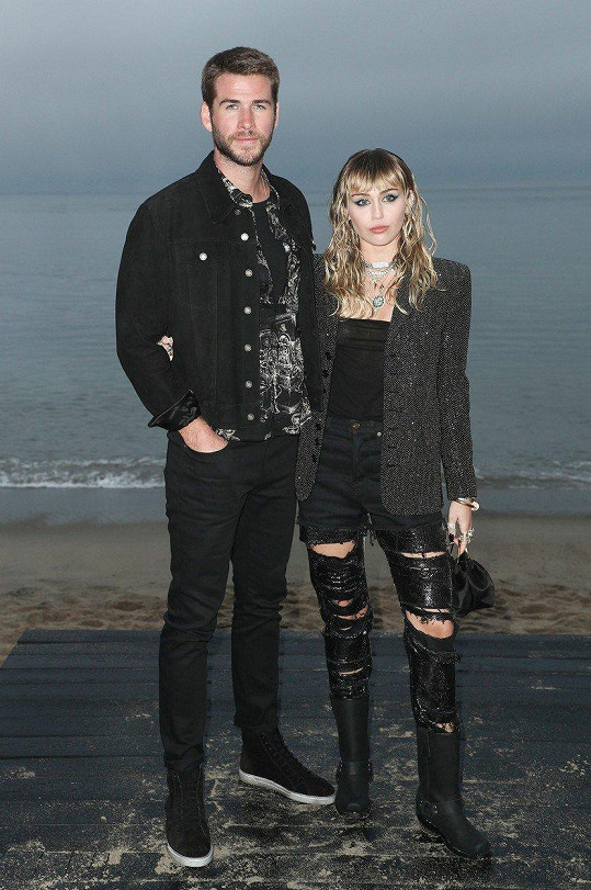 Miley Cyrus oznámila rozchod s manželem Liamem Hemsworthem.