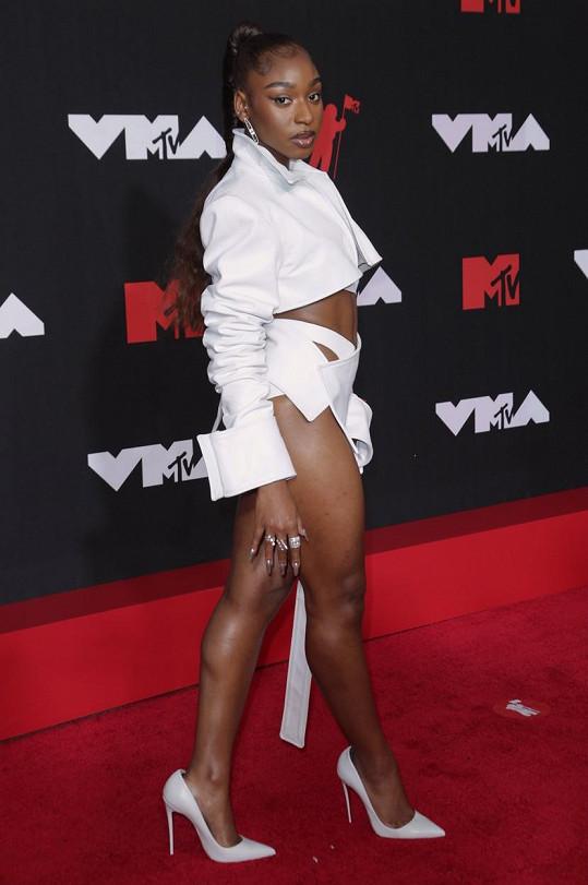 Normani na cenách MTV zářila v odvážném modelu.