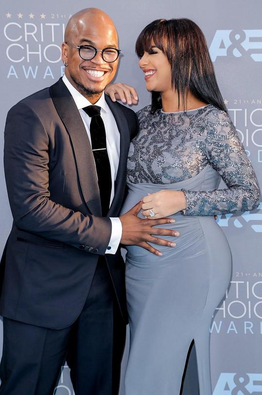 Rapper a Crystal Renay se těší na prvního společného potomka