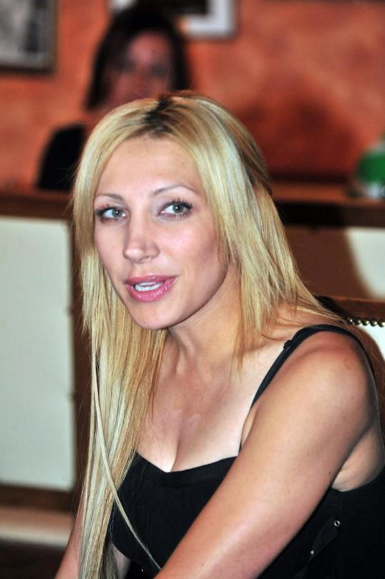 Dřív byla blondýnkou i ve skutečnosti. Foto z roku 2010