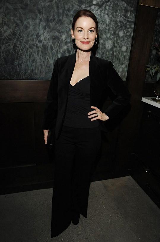 Laura Leighton vypadá stále skvěle.