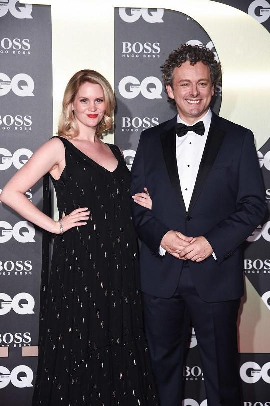 Michael Sheen vyvedl těhotnou partnerku Annu Lundberg.