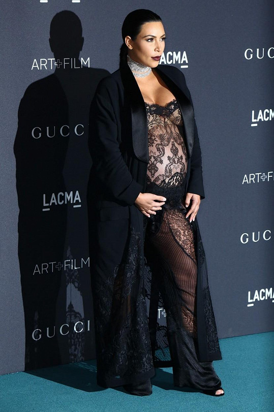 Takhle se Kim vyparádila během těhotenství.