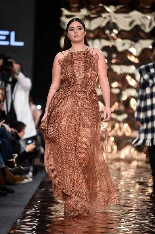 Alessandra je úspěšnou modelkou.
