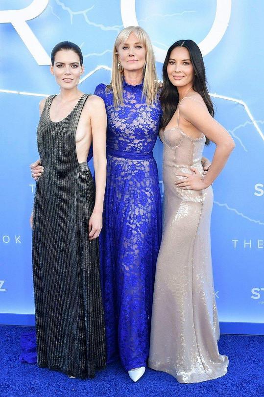 Emma Greenwell, Joely Richardson, Olivia Munn září v novém seriálu The Rook.