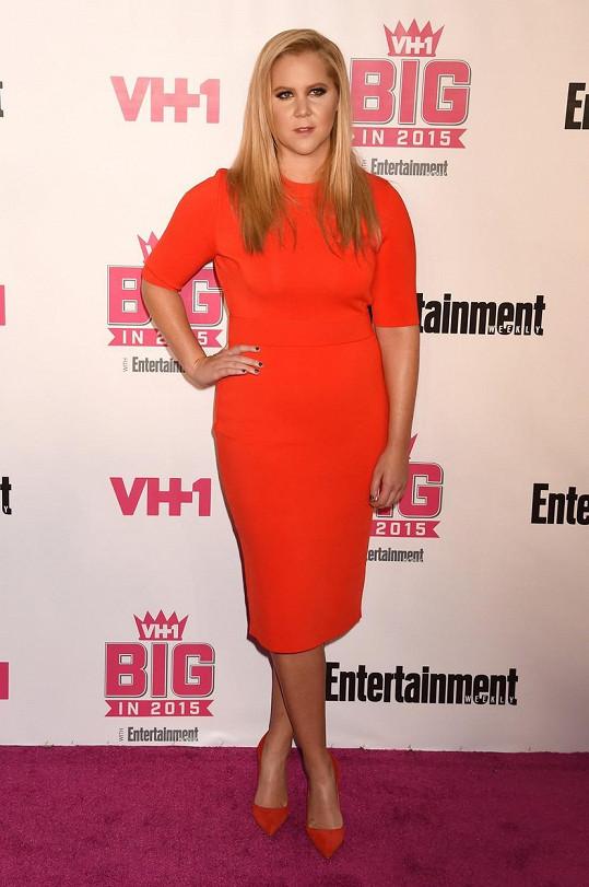 Amy Schumer je úspěšnou stand-up komičkou, spisovatelkou, herečkou i producentkou.
