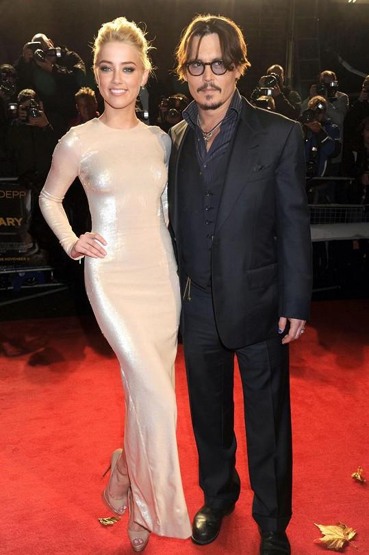 Amber Heard a Johnny Depp mezi sebou stále nemají vše dořešené, i když už jsou nějakou dobu rozvedení.