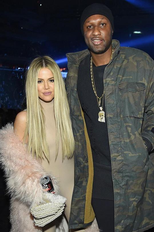 Khloé se s Lamarem udobřila a v únoru ho vzala na přehlídku.