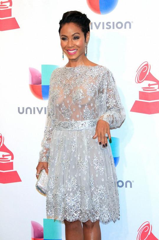 Takhle Jada provokovala na udílení Latin Grammy Awards v Las Vegas.
