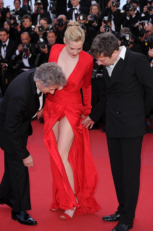 Režisér Roman Polanski a herec Mathieu Amalric kolegyni Emmanuelle Seigner spíš okukovali, než pomáhali...