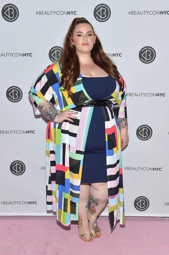 I s výraznou nadváhou se uchytila jako modelka.