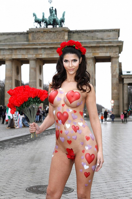 Micaela je velká romantička.
