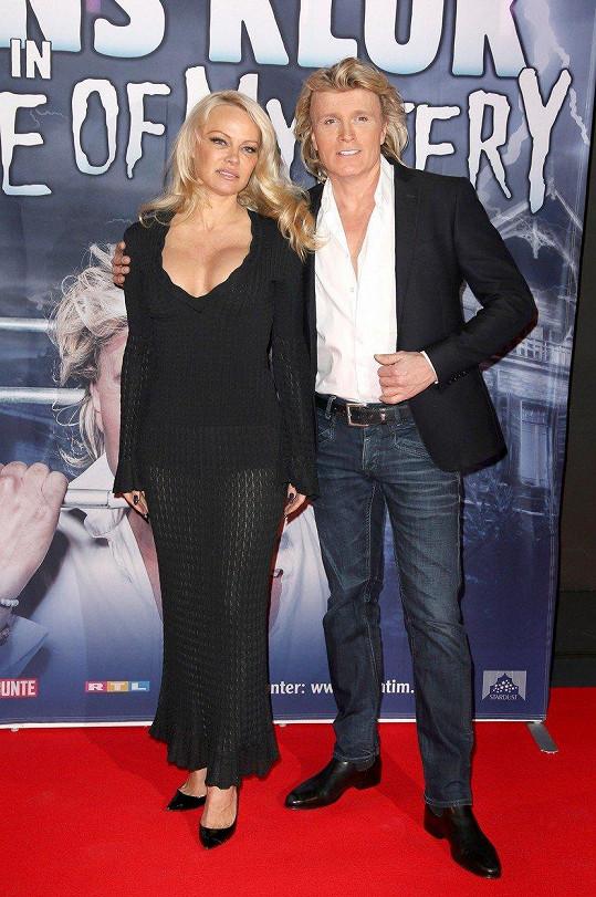 Pamela Anderson a Hans Klok