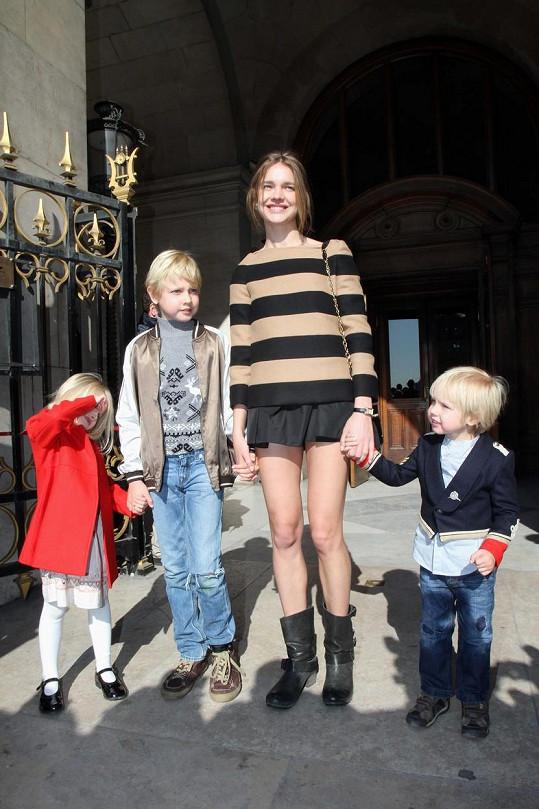 Natalia v roce 2011, kdy měla jen tři děti.