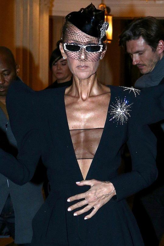 Céline Dion je v poslední době opravdu velmi hubená.