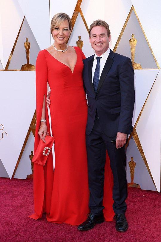 Allison Janney a Steven Rogers