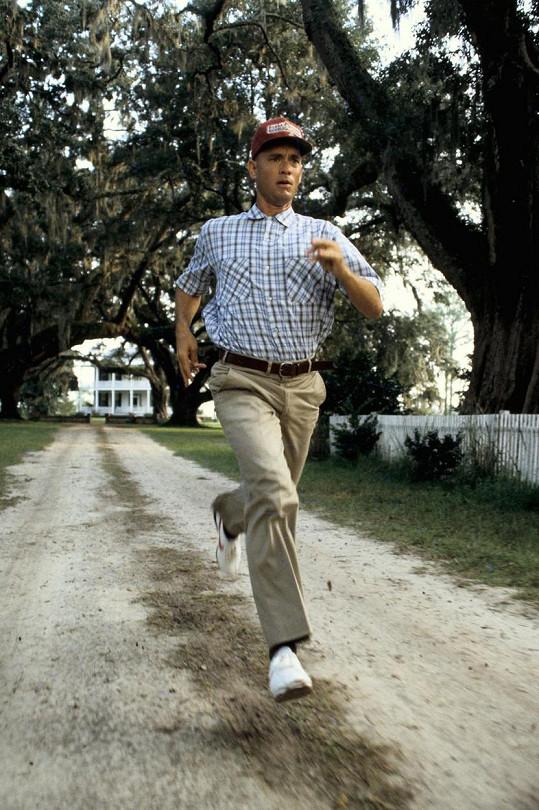 """Většinu záběrů """"odběhal"""" ve skutečnosti Hanksův bratr Jim."""
