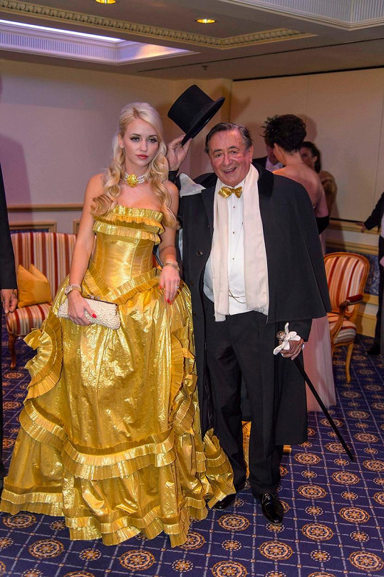 Richard a Cathy letos v únoru na plesu ve vídeňské opeře
