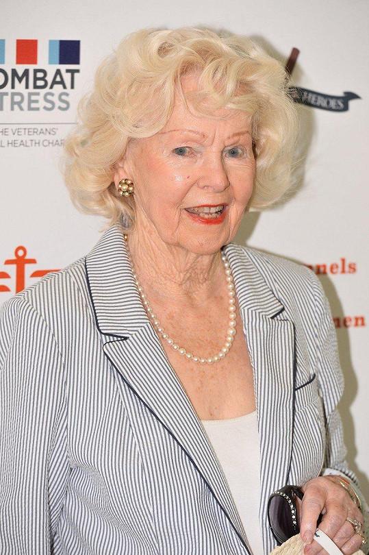 V roce 2015 Peggy Cummins zavítala na charitativní akci.